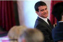 Sondage. Manuel Valls se maintient