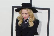 Madonna: sa robe de mariée adjugée 81 250 dollars