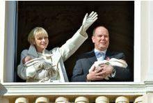 Les jumeaux princiers attendrissent Monaco