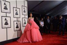 Pink Rihanna comme un nuage