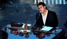 Julien Clerc donnera un concert en direct et en 3D
