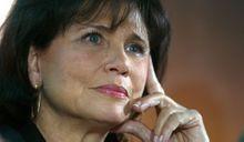 Anne Sinclair ne dément pas sa séparation avec DSK