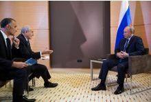 """Vladimir Poutine: """"les Américains mentent"""""""