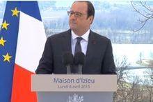 François Hollande plaide pour le devoir de mémoire