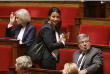 Hollande, Cahuzac, Valls... Duflot cogne dur