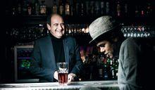 Jamel Debbouze et Pierre Lescure. Les copains d'abord