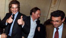Jean Sarkozy veut barrer la route au maire de Neuilly