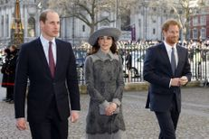 Kate, William et Harry retrouvent la reine