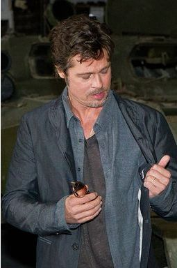 "Brad Pitt: un jeune marié en mode ""Fury"""