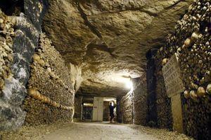 Les catacombes de Paris, image d'illustration.