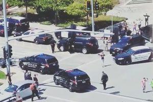 Sur les lieux de la fusillade, à San Bruno en Californie.