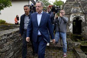 Richard Ferrand dimanche à Motreff, dans le Finistère.
