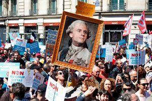 Convergence des luttes. Appel au 5 mai. La Fête à Macron !  A-Paris-la-Fete-a-Macron-bat-son-plein