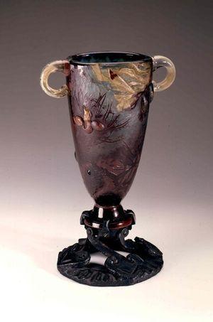 Un vase en pâte de verre Gallé dit Canthare