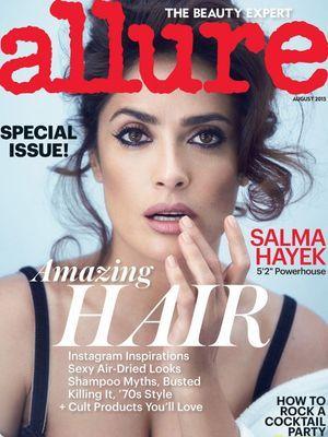 """Salma Hayek s'offre la couverture de la nouvelle édition du magazine """"Allure""""."""