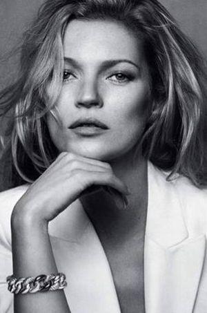 Kate Moss pour la campagne du joaillier.