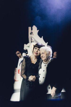 Mireille Mathieu a fait venir sa mère sur scène.