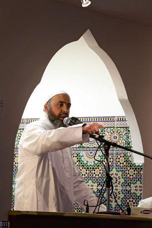 A la nouvelle mosquée de Saint-Jean, à côté de la Reine Jeanne, l'imam Hichem