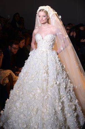 La robe de mariée de sa dernière collection Couture Automne-Hiver 2014-2015.