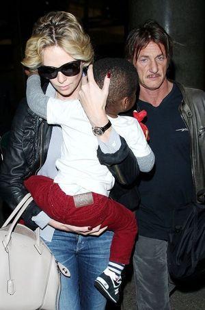 Charlize Theron et Sean Penn, en compagnie de Jackson en mai 2014 à Los Angeles