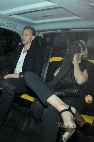 Tom Hiddleston et Elizabeth Olsen à Londres le jeudi 23 juillet 2015.