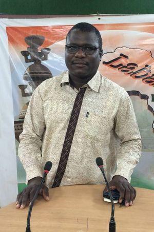 Ali Idrissa dans les studios de Labari TV à Niamey, le 28 février 2016