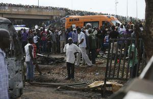 Un attentat a frappé lundi la capitale d'Abuja, quelques heures avant la disparition des lycéennes.