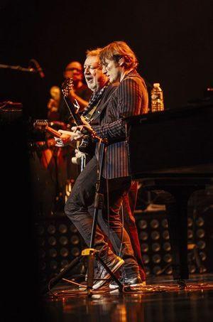 Christopher Stills au concert de sa mère