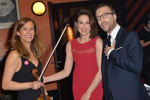 Anne Gravoin, Elsa Zylberstein et Nicolas Rossignol (président de l'association Tout le Monde Chante Contre le Cancer)