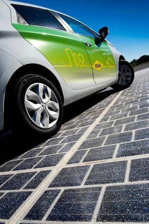 1 kilomètre de route peut fournir l'électricité d'une ville de 5 000 habitants