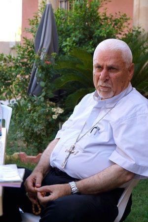 Mgr Mouché a passé des semaines à venir en aide aux réfugiés qui avaient fui Mossoul pour Qaraqosh.