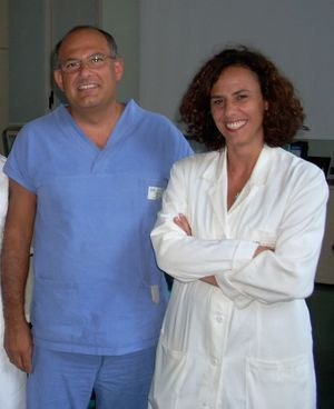 Chiara Bonini et Fabio Ciceri, directeur de l'unité d'hématologie et transplantation de mœlle osseuse (hôpital San Raffaele).