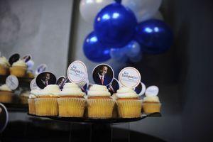 Pour la fête de la victoire, tout a été prévu, même les cupcakes à l'effigie du nouveau procureur.