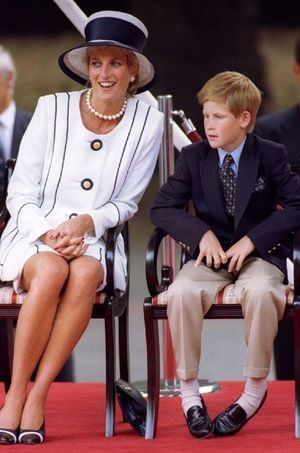 Harry saura faire rire son neveu comme il le faisait avec sa maman.