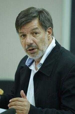 """Jean-Louis Malys juge qu'il faut """"corriger"""" les effets de la réforme de 2010 """"mauvaise, pas financée et injuste""""."""