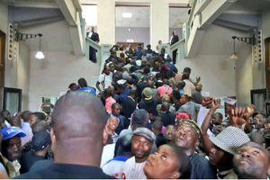 """L'arrivée de """"Moïse"""" au Palais de justice de Lubumbashi le 9 mai 2016"""