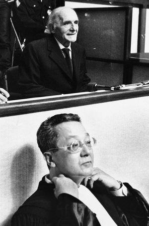 Klaus Barbie et Jacques Vergès en 1987.