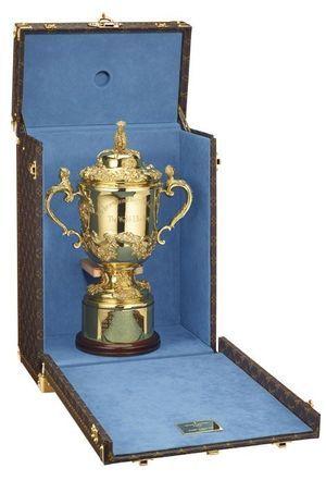 La Webb Ellis Cup, sublimée dans son écrin Vuitton