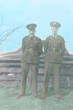 Les jumeaux Roy et Ray Stevens.