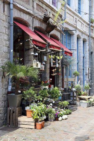 Nouveau venu parmi les adresses désirables, Le Clarance, un boutique-hôtel cinq étoiles, chantonne l'appel de Lille...