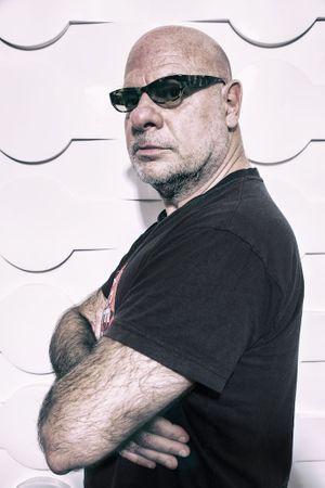 Bernie Bonvoisin sera en duo acoustique avec le musicien Iso Diop le 25 juillet à Bayeux au festival Tout un foin.