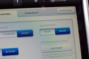 """Sur l'écran tactile, on peut paramétrer l'accélération en mode """"Inouïe»."""