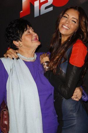 Nabilla et sa grand-mère Livia, en octobre 2013.
