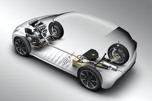 La 208 HYbrid FE emprunte sa batterie et son moteur électrique à la 908 HYbrid4 de compétition.