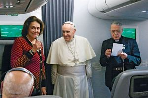 28 juillet 2013, Caroline Pigozzi à bord du vol AZ400 d'Alitalia avec la caravane pontificale