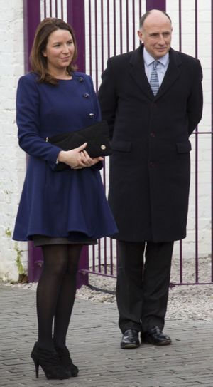 Rebecca Deacon et Jamie Lowther-Pinkerton en 2012