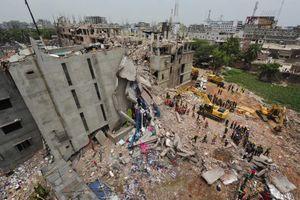 L'immeuble du Rana Plaza quelques jours après son effondrement.