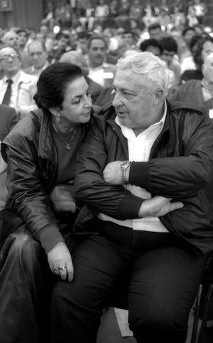 Mars 1986, Ariel Sharon et sa femme Lily.