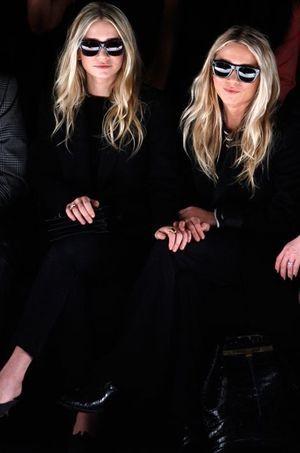 Les soeurs Olsen en front row.