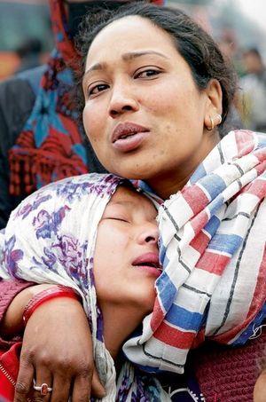 Au lendemain de la catastrophe, elles pleurent un proche. Et disent toute la détresse d'un peuple.